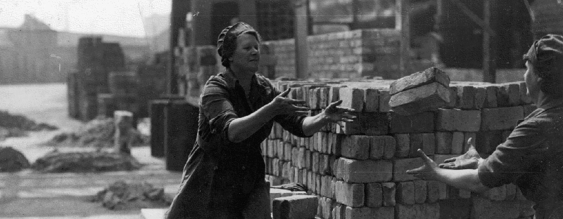 Women war workers during WW2 in London - used for the National Grid story 'VE Day 2020: The people powering the nation during WW2'